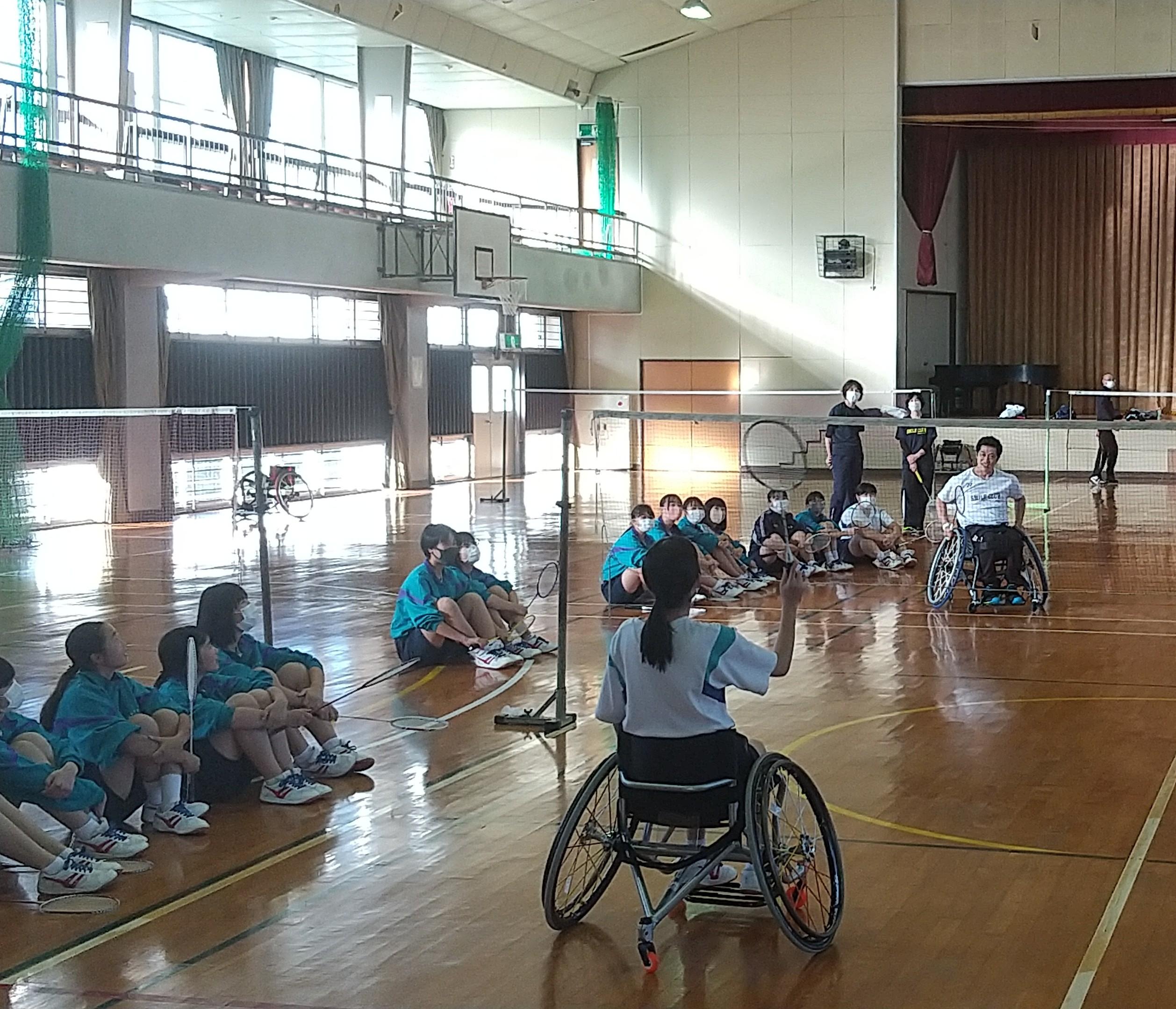 生徒代表と大浜選手との対決!